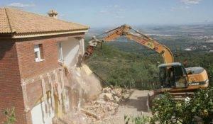 Sobre la garantía para responder del pago de indemnizaciones a terceros de buena fe cuando se ordena la demolición del inmueble